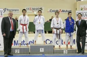 interr_2014_podium_damien